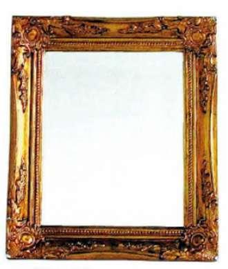 スクエア型の壁掛け鏡